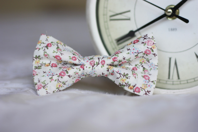 Mens Vintage Floral Pink Wedding Bow Tie