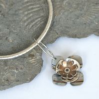 Retro flower bangle