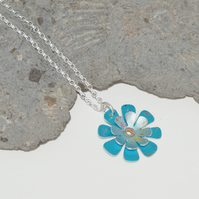 Spring flowers necklace - turquoise
