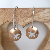 Tiny lovebirds nature tag earrings - bronze