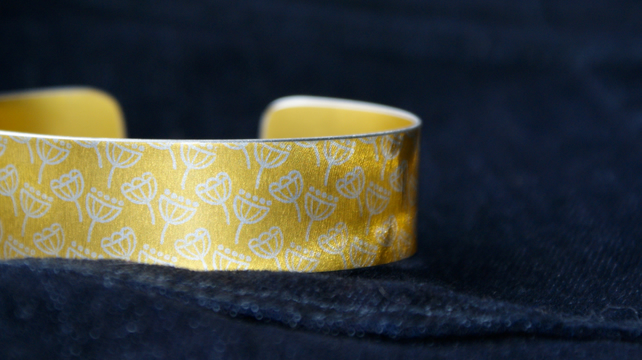 Geometric seed head print cuff bracelet yellow