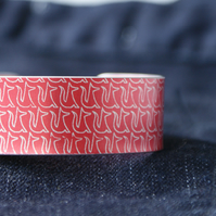 Geo fox pattern aluminium cuff bracelet red