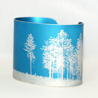 Light between the trees cuff
