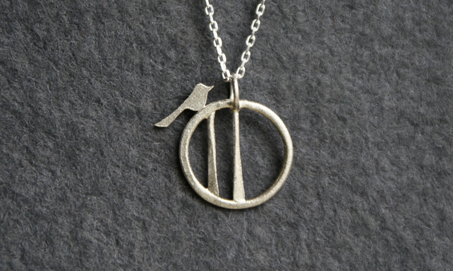 Tiny edge of the woods bird necklace