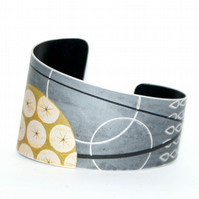 Hand printed seed head bracelet - grey