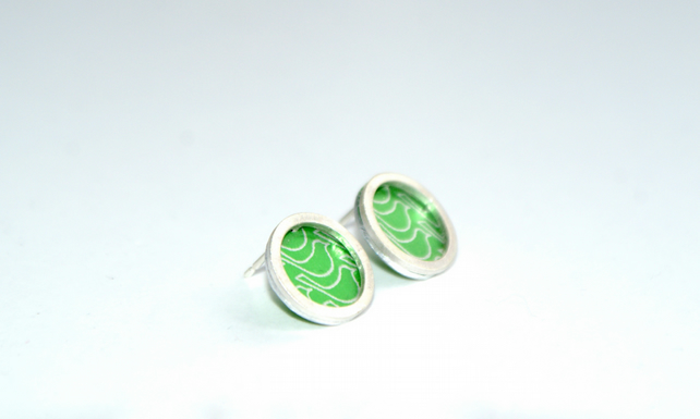 Green bird pattern studs - silver circle