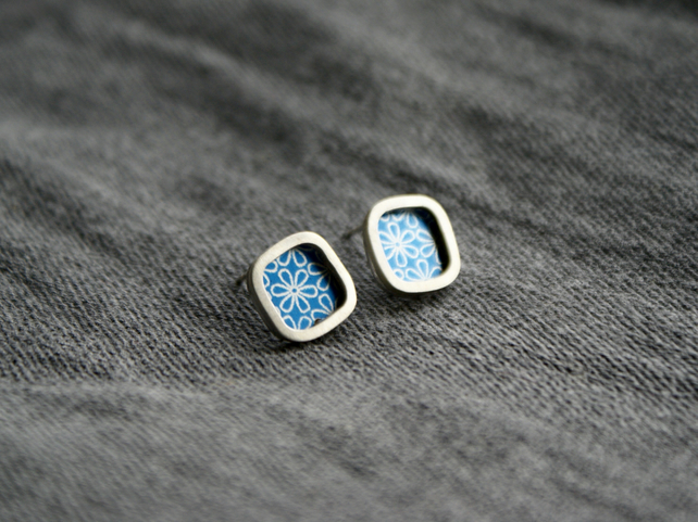 Blue flower studs - silver square