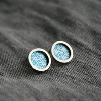 Blue flower pattern studs - silver circle