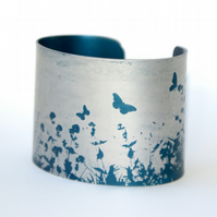 Summer hedgerow cuff