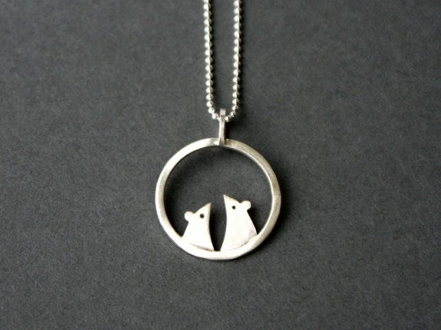 Silver mouse circle necklace