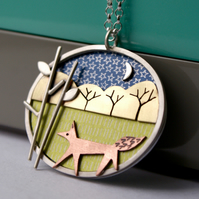 Strolling fox necklace
