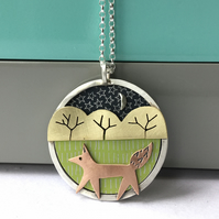 Little strolling fox necklace