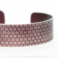 Geometric star pattern cuff bracelet dark red