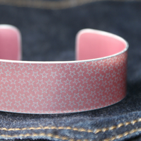 Star pattern aluminium cuff pale blush