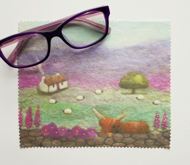 Highland Cow and Cottage Lens Cloth Screen Cleaner