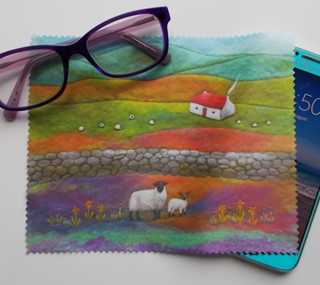 Cottage and Sheep Lens Cloth Screen Cleaner
