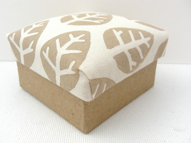 Leaf Pattern Trinket Box