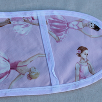 Ballet dancers mini oven gloves