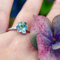 Clintonia Uniflora --- Sterling Silver & Peridot Ring