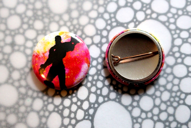 Badge Pin --- Silhouettes: Iron Man