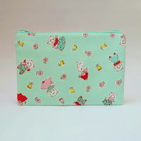 Rabbits and Kittens Zip Purse, 30's Vintage Style Mint Fabric for Cards, Money