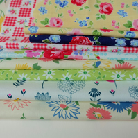 Retro Floral Fabric Bundle, 100% Cotton, Crafts, Destash Flowery Fabrics Pack
