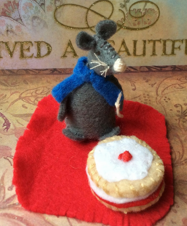 Hand stitched Mouse and Cake