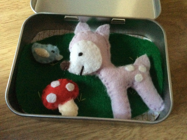 Lilac Felt Deer Playset in a Tin