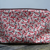 Make-up bag - pouch - red leaves