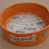 Dog food bowl with bones - Made to order pet dish personalised with name