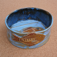 Cat bowl personalised with name and fish, Ceramic dog dish with bone, made2order