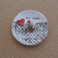 Personalised ring dish, Ceramic ring holder with heart, MADE TO ORDER, 2t