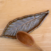 Brown ceramic spoon rest - Loquat leaf stoneware dish
