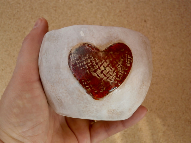 Ceramic bowl with heart - White and red trinket holder - Small dessert dish