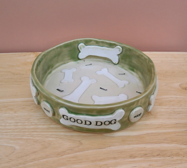 Dog food bowl with bones - Made to order large pet dish personalised with name