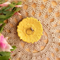 Yellow ring dish, ceramic tealight holder, ring holder with lace pattern