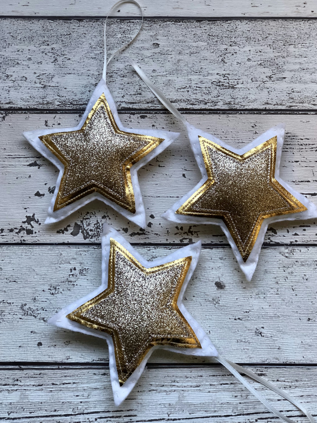 Golden felt star hanging decoration trio