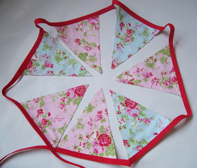 Country rose Bunting.