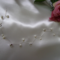 Diamante & Pearl Hair Vine - Bride- Bridesmaid - Prom - Special Occasion