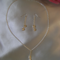 Amore - Freshwater Pearl Necklace & Earring Set