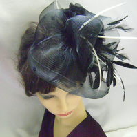 Alexis - Black & Cream Sheer Fascinator