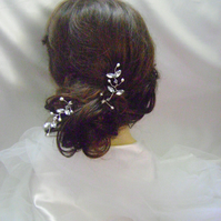 Exquisita - Freshwater Pearl & Diamante Hairpins