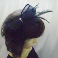 Jilly - Black & Diamante Cocktail Style Fascinator