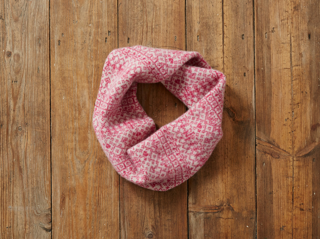 Cozy Knitted Snood, Infinity Scarf, Lambswool, Fair Isle, pink and white