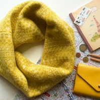 Cozy Knitted Snood, Infinity Scarf, Lambswool, Fair Isle, yellow and white