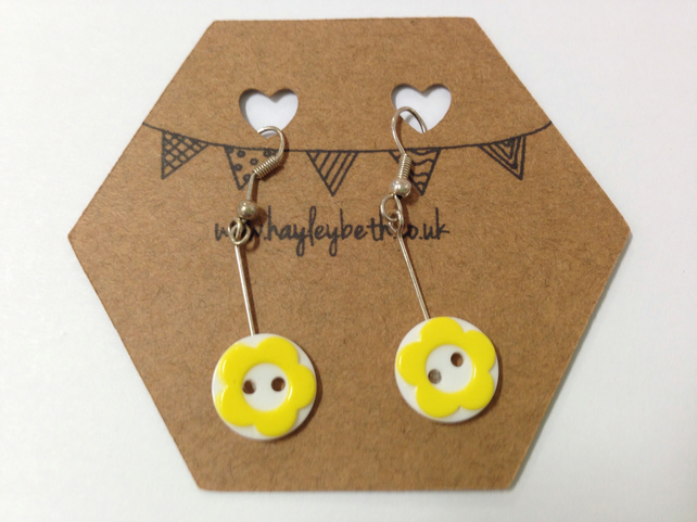 Button flower earrings