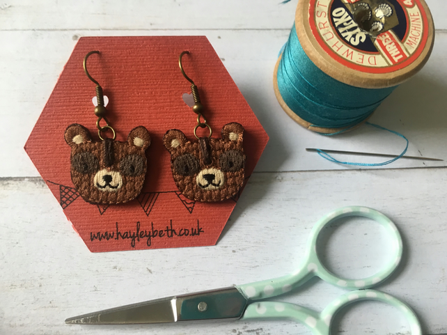A pair of bears earrings animal earrings