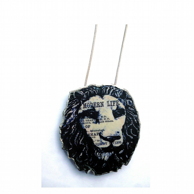 Large resin Lion Necklace by EllyMental Jewellery