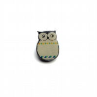 Retro Patterned Resin Owl bird Brooch by EllyMental