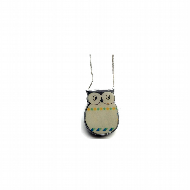 Retro Scandi Patterned Resin Owl bird Necklace by EllyMental